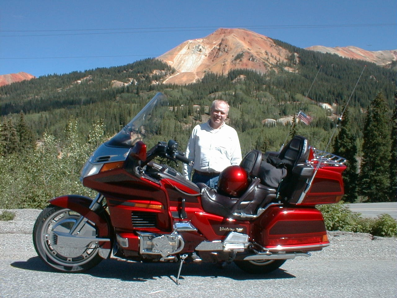 Goldwings in the Rockies; mediumsize=240pixels